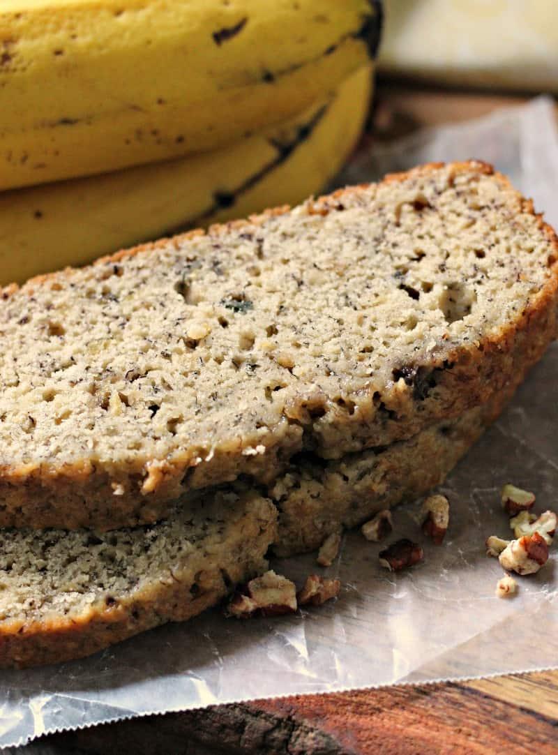 sliced banana bread used in the sundae