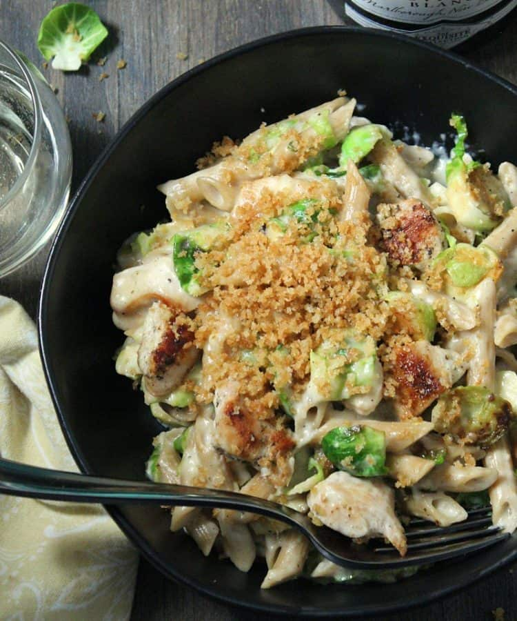 Cheesy Chicken Pasta with Brussels Sprouts ~ 1 pan ~ seared chicken, brussels sprouts + gruyere/white cheddar cheese sauce topped with toasted bread crumbs.