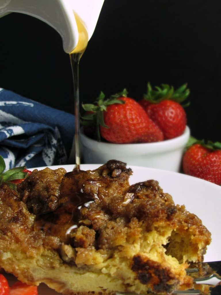 Overnight French Toast Casserole: cubed brioche soaked in a custardy mix, topped with crumbly praline. Prep the night before, bake the next morning.