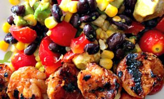 Honey Sriracha Grilled Shrimp Salad: sweet-spicy grilled shrimp + a hearty salad-avocado, beans, tomatoes, peppers & corn+ a tangy cilantro-lime dressing.