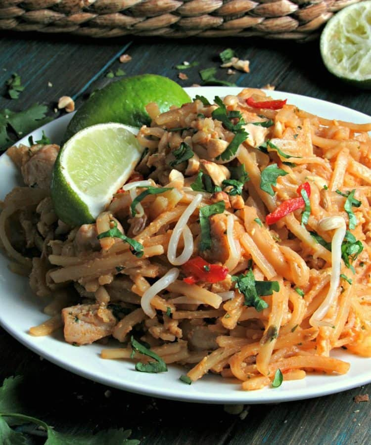 How to make easy chicken pad thai