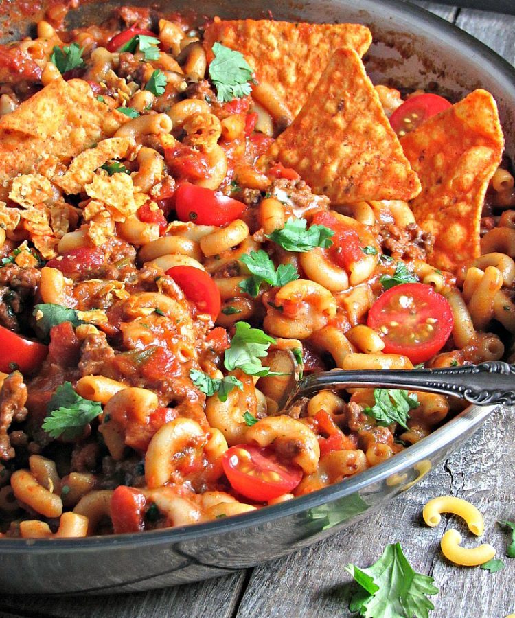 One Pan Cheesy Taco Pasta. Easy, delicious midweek meal that all cooks in 1 pot including the pasta in under 30 minutes. Like Hamburger Help but way better.